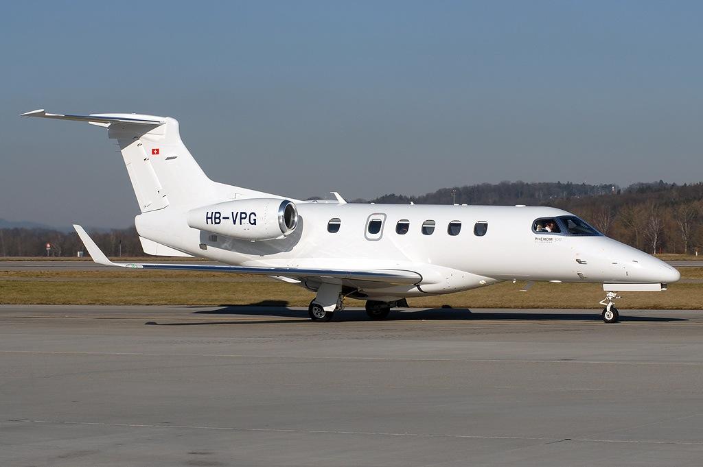 Embraer_EMB-505_Phenom_300_VietAirOps